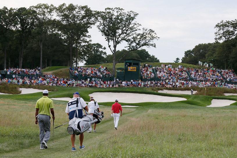 Kto powiedział, że golf jest zarezerwowany tylko dla bogaczy? /AFP