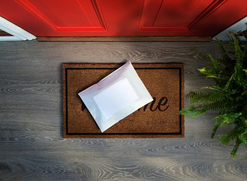 Kto wysyła tajemnicze przesyłki? /123RF/PICSEL