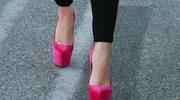 Kto założył takie buty?