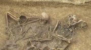 Kto został pochowany pod drogą S6 w rejonie Budzistowa?