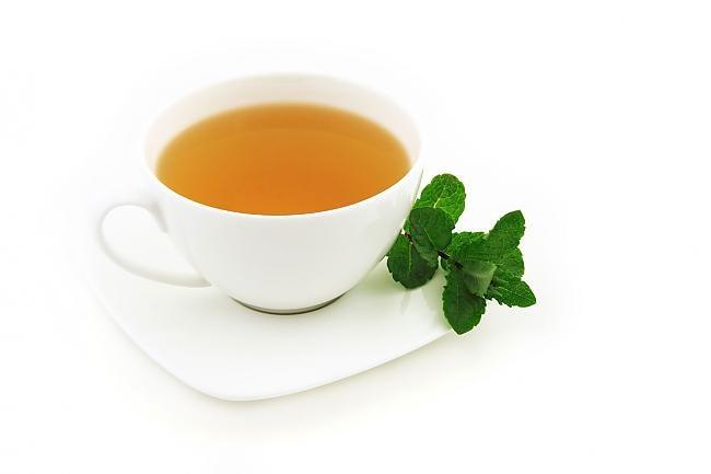 Która herbata ma najmniej kofeiny /© Photogenica