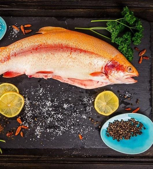 Które ryby warto jeść? /©123RF/PICSEL