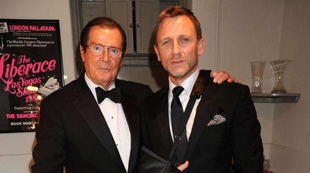 Który z nich lepiej wymawiał słowa: My name is Bond. James Bond? /