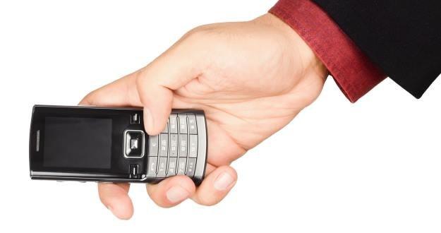 Ktoś zadzwonił do ciebie z dziwnego numeru? Lepiej nie oddzwaniać /123RF/PICSEL