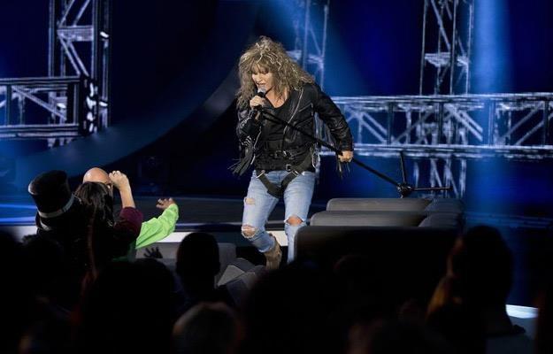 """Kuba Molęda jako Jon Bon Jovi w programie """"Twoja Twarz Brzmi Znajomo"""" /Polsat"""