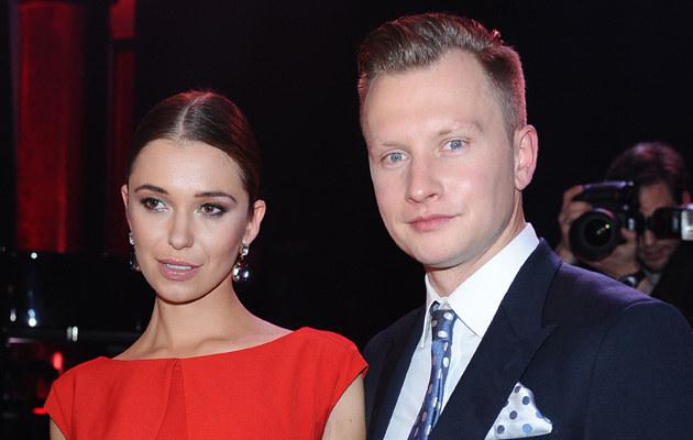 Kuba Wesołowski i Agnieszka Szczurek niedawno wzięli ślub /Andras Szilagyi /MWMedia