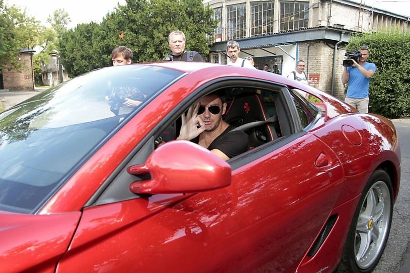 Kuba Wojewódzki w jednym ze swoich Ferrari /fot. Jankowski/Reporter /Agencja SE/East News