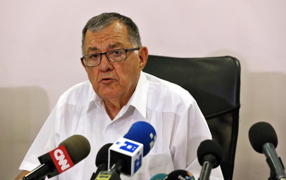 Kubański minister transportu Adel Yzquierdo /ALEJANDRO ERNESTO  /PAP/EPA