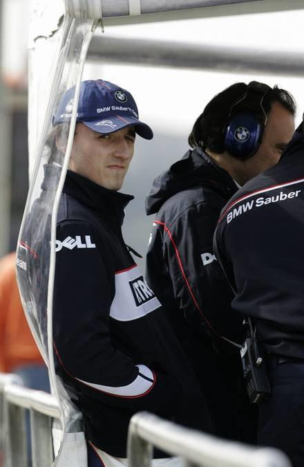 Kubica podczas testów w Walencji / Kliknij /AFP