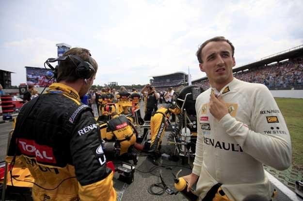 Kubica, tak jak wszyscy pozostali kierowcy, został zdublowany przez triumfatora wyścigu /AFP