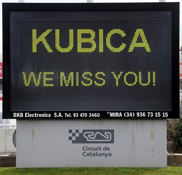 Kubica, tęsknimy za Tobą - tak myślą wszyscy w Formule 1 /AFP