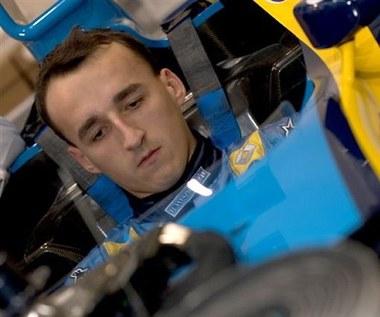 Kubica uczy się kierownicy