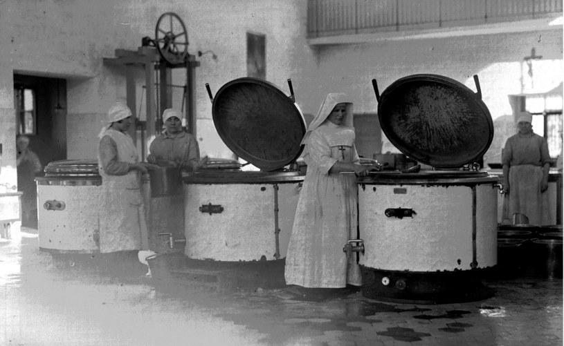 Kuchnia szpitalna. Listopad 1931 /Ze zbiorów Narodowego Archiwum Cyfrowego