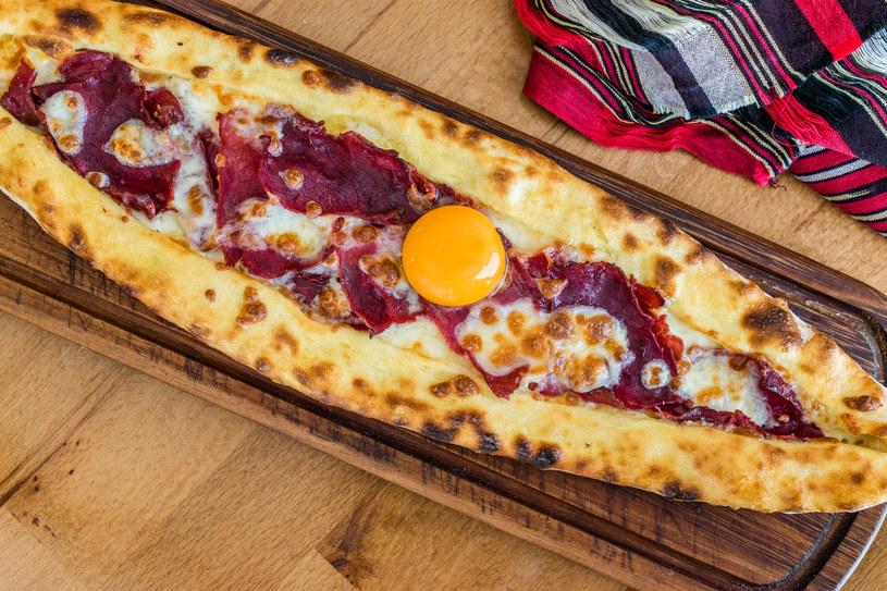 Kuchnia turecka słynie z ciekawych połączeń smaków /123RF/PICSEL
