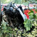 Kujawsko-pomorskie: Samochód uderzył w drzewo. Nie żyją 4 osoby