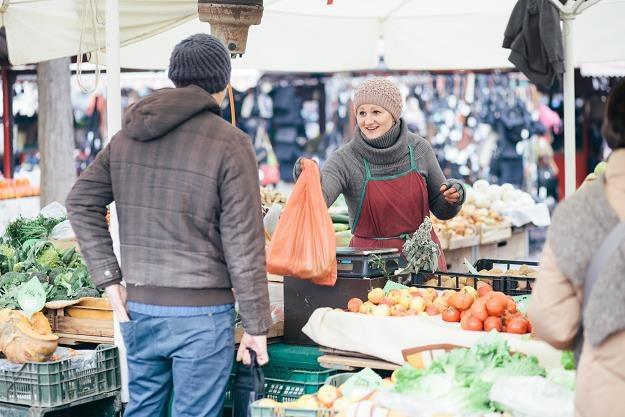 Kukiz'15 chce znieść opłatę targową /©123RF/PICSEL