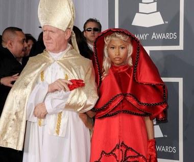 Kulisy Grammy: Popsuty mikrofon, papież na czerwonym dywanie