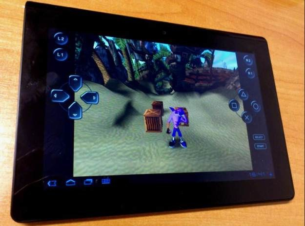 "Kultowa gra ""Crash Bandicoot"" w wersji na Sony Tablet S /INTERIA.PL"