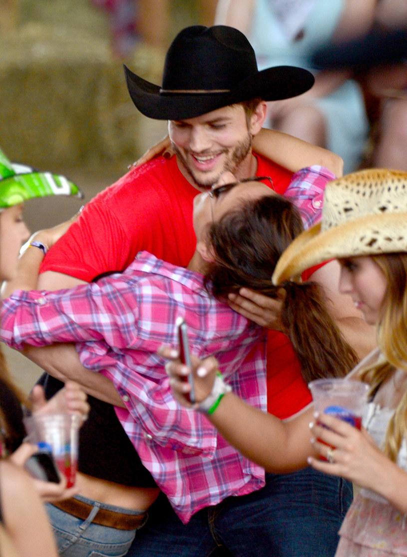 Kunis i Kutcher niedawno zostali rodzicami /Frazer Harrison /Getty Images