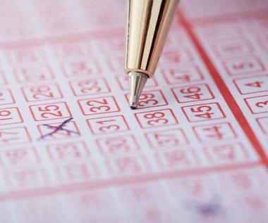 Kupił 160 identycznych losów na loterii i... wygrał 160 razy! Absolutny rekord