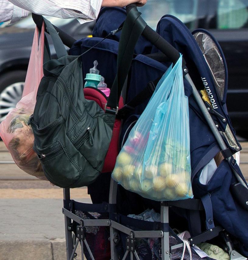 Kupiła zdrowe warzywa i owoce /- /Foto IP