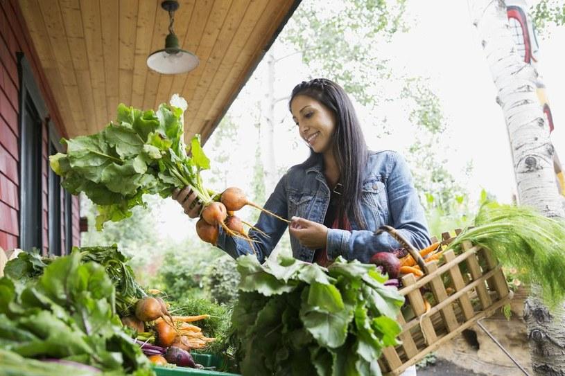 kupowanie warzyw /© Photogenica