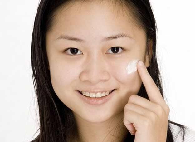 Kupuj jedynie kosmetyki z pewnego źródła! /123RF/PICSEL