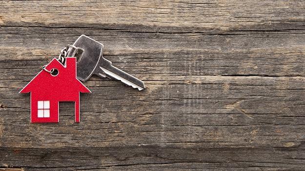 Kupując nieruchomość trzeba uważać, aby nie stracić dużych pieniędzy /©123RF/PICSEL