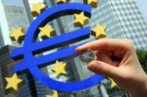 """""""Kupujemy czas na wyrównanie konkurencyjności i deficytów budżetowych krajów strefy euro"""" /AFP"""