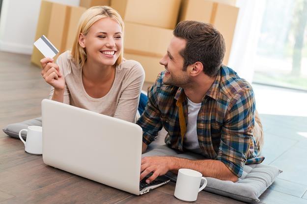 Kupujesz w internecie? Uważaj na pułapki /©123RF/PICSEL