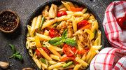 Kurczak i makaron: trzy pomysły na szybki i pyszny obiad
