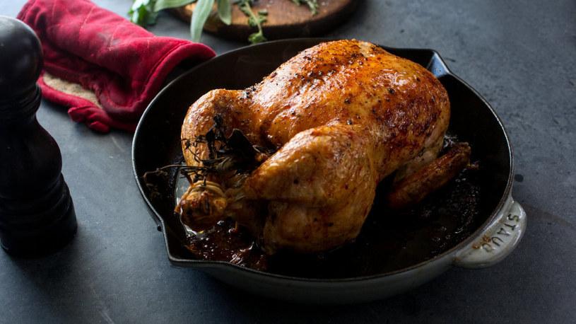 kurczak na patelni /© Photogenica