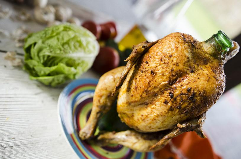 Kurczak pieczony z piwem to doskonały wybór na obiad /INTERIA.PL