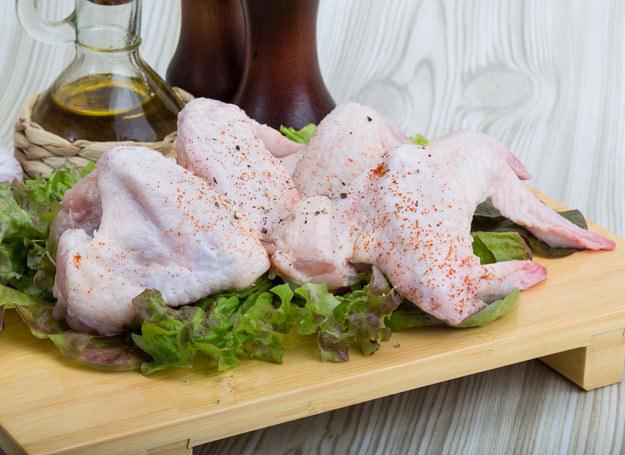Kurczak po prowansalsku smakuje doskonale. /123RF/PICSEL