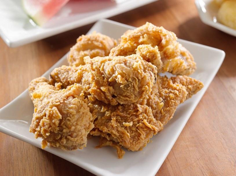 """Kurczak w panierce zazwyczaj """"świeży"""" jest tylko z nazwy. Uważajcie! /123RF/PICSEL"""