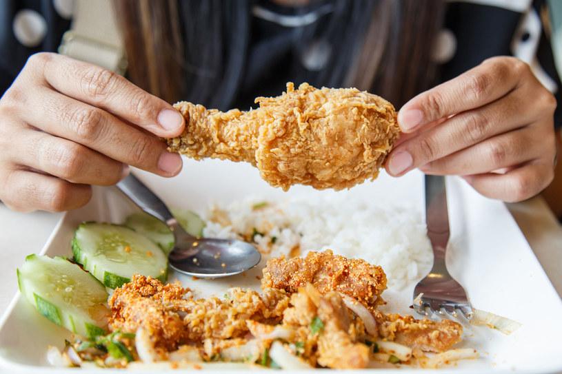 Kurczaki są nie tylko pyszne, ale też pożywne i lekkostrawne /123RF/PICSEL