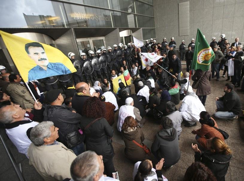 Kurdowie przed europarlamentem /PAP/EPA