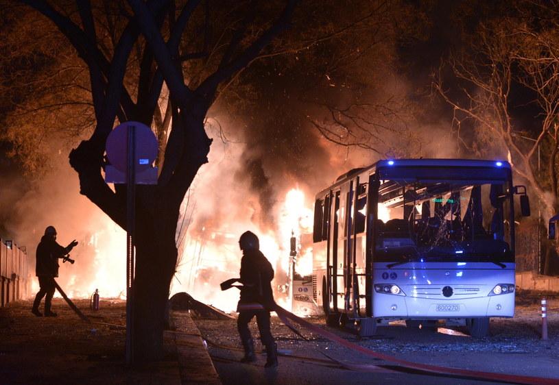 Kurdowie przyznają się do zamachu w Ankarze /PAP/EPA