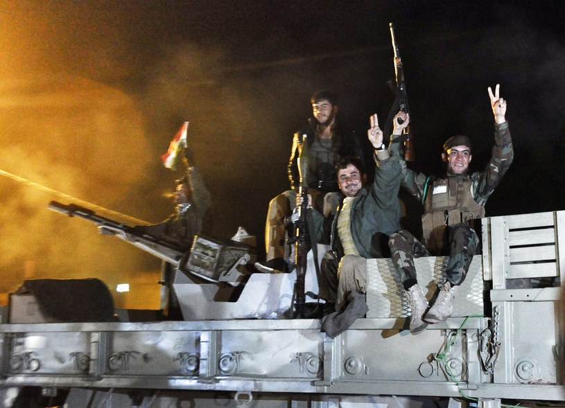 Kurdowie w drodze do Kobane /AFP