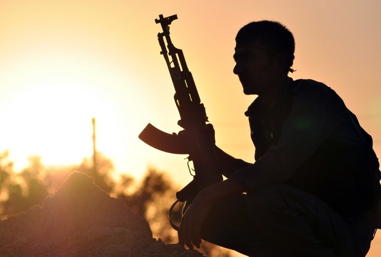 Kurdyjski żołnierz, zdj. ilustracyjne /DELIL SOULEIMAN /AFP