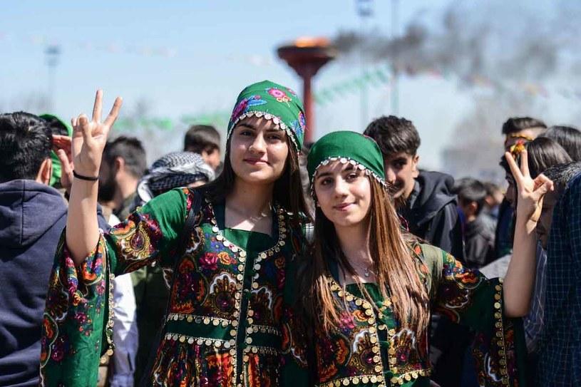 Kurdyjskie dziewczyny w Diyarbakir /AFP