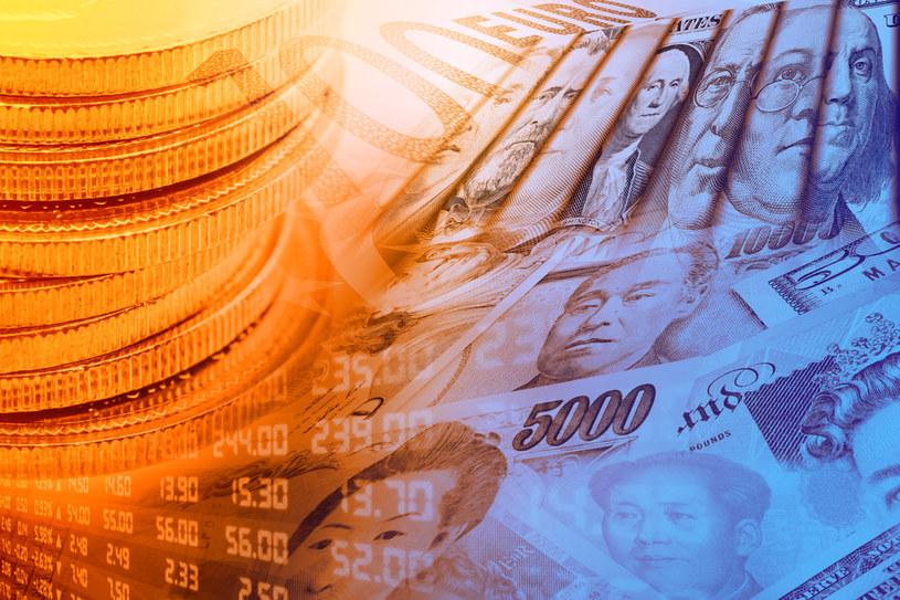 Kurs dolara zawraca, funt w centrum uwagi /123RF/PICSEL