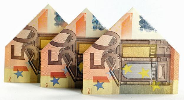 Kurs franka, który w grudniu spędzał kredytobiorcom sen z powiek, wrócił do poziomu poniżej 3 zł /© Panthermedia