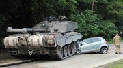 Kursantka wjechała w czołg