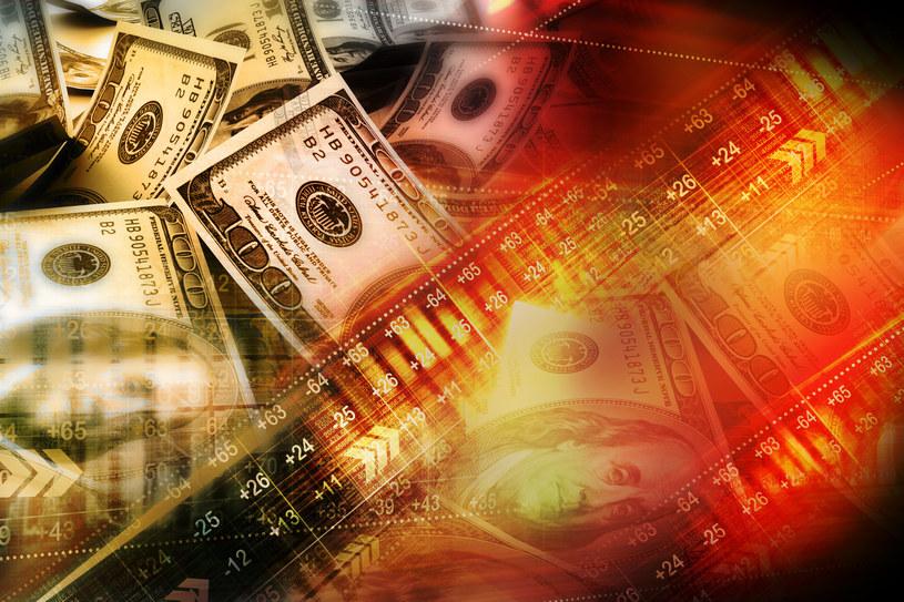 Kursy walut stabilne na wysokich pułapach /123RF/PICSEL