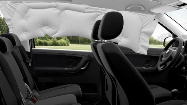 Kurtyna powietrzna chroni pasażerów obu rzędów siedzeń. /Motor