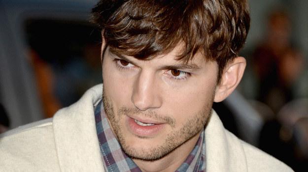 Kutcher od dłuższego czasu zbierał się w sobie, aby zadać obecnej dziewczynie sakramentalne pytanie. /Jason Merritt /Getty Images