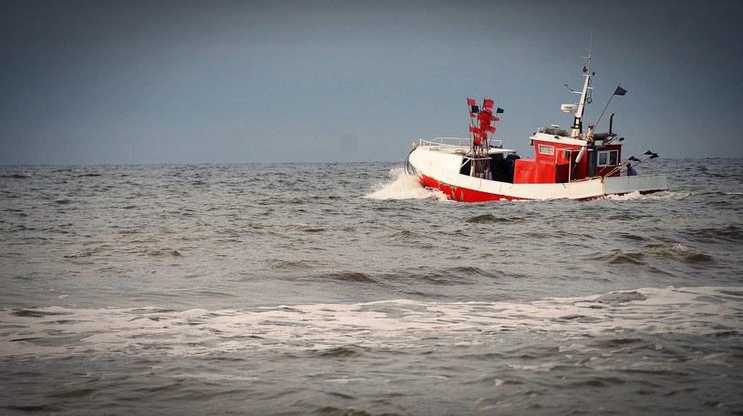 Kuter rybacki na morzu /nastogadka /pixabay.com