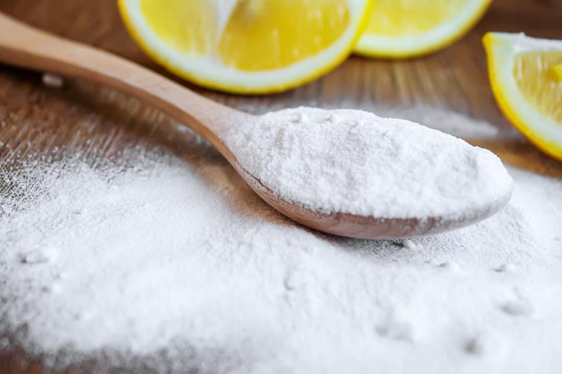 Kwas cytrynowy oznaczono jako najbardziej toksyczny dodatek do żywności /123RF/PICSEL