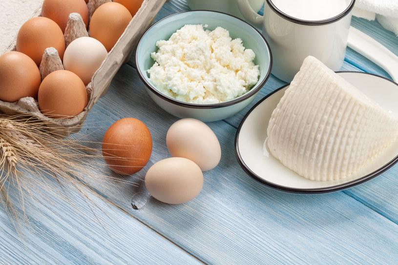 Kwas mlekowy dzięki swoim właściwościom probiotycznym wspomaga pracę jelit /123RF/PICSEL
